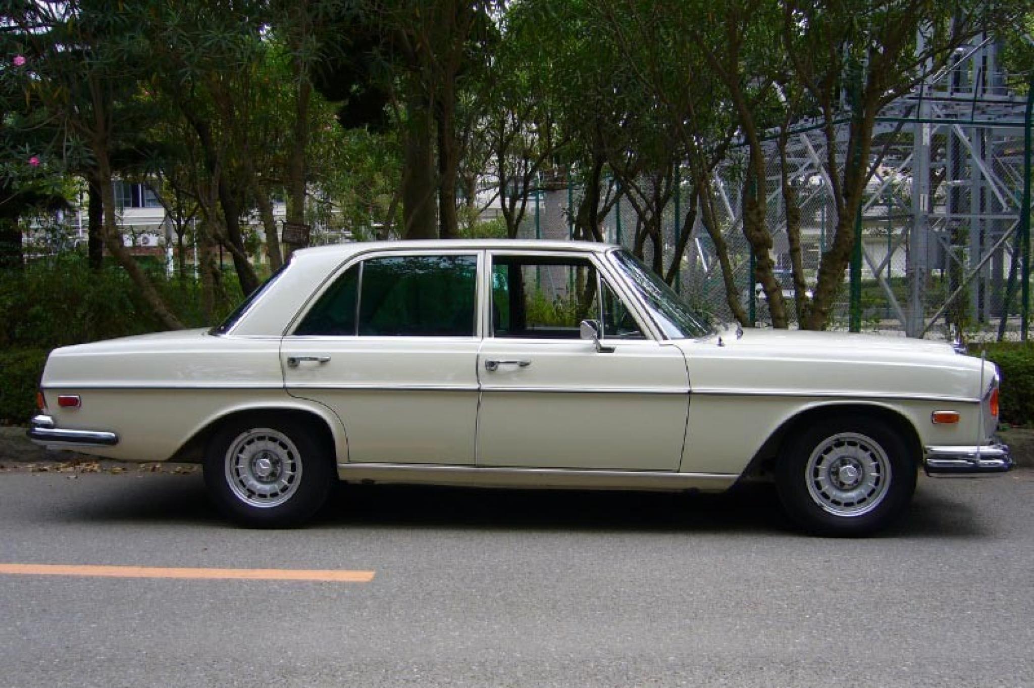 ヴィンテージカー販売 メルセデス・ベンツ280SE4.5