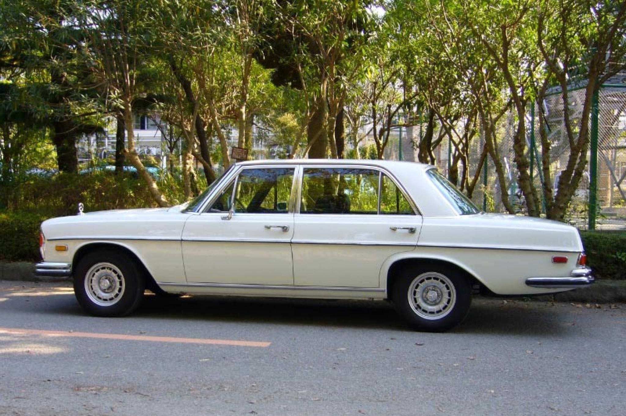 ヴィンテージカー販売 メルセデス・ベンツ300SEL6.3