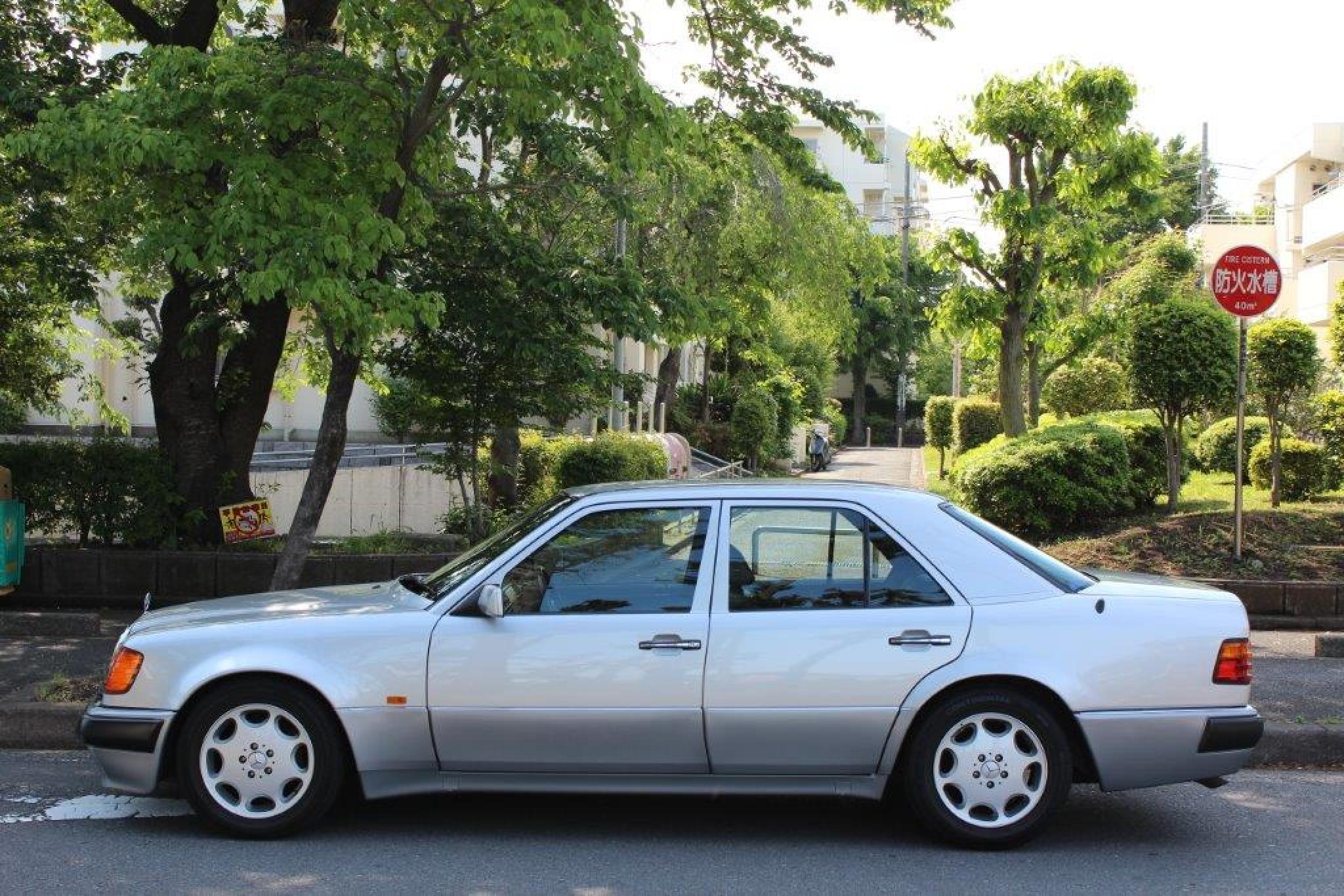 ヴィンテージカー販売 メルセデス・ベンツ500E