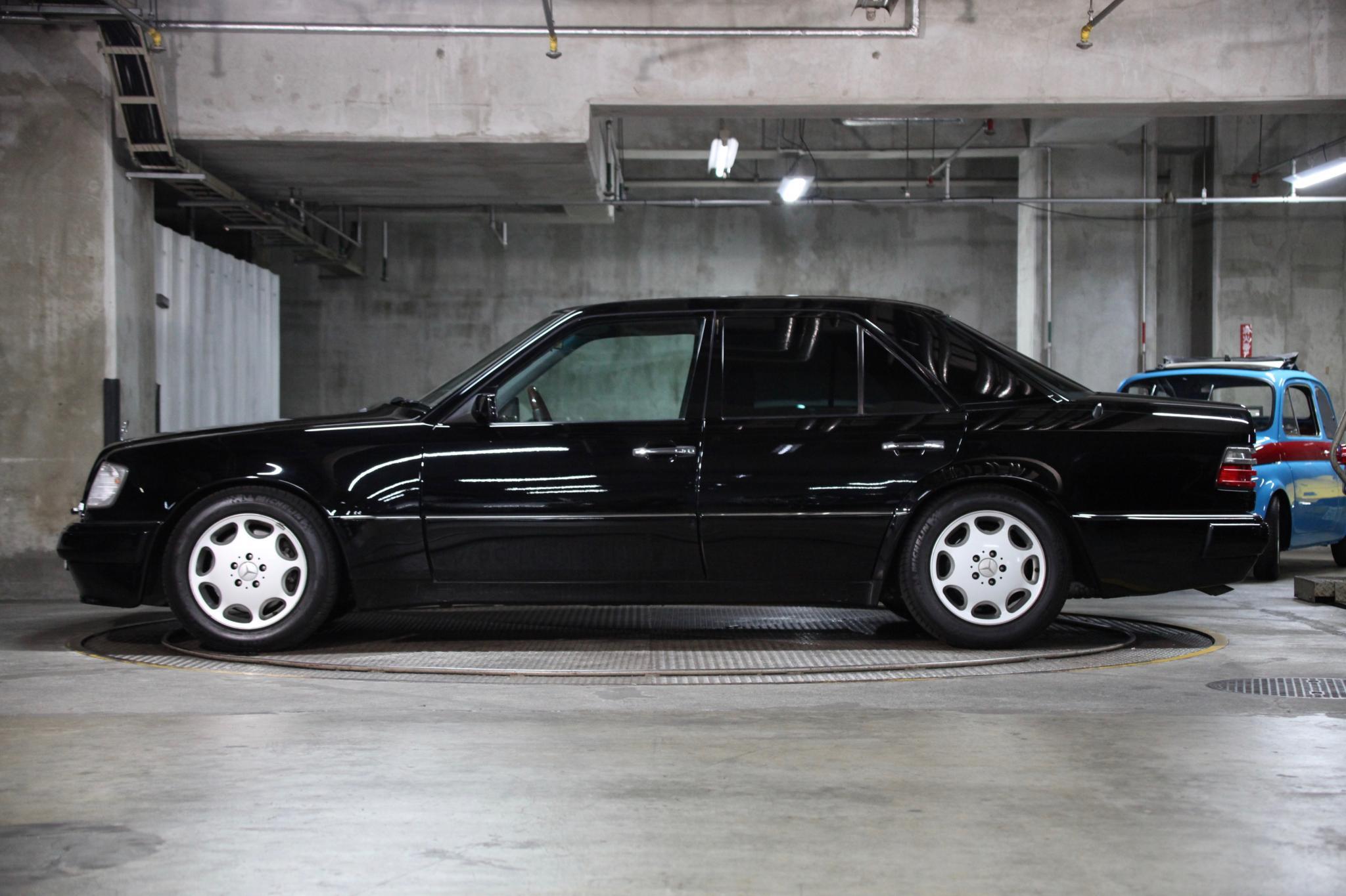 ヴィンテージカー販売 メルセデス・ベンツE500