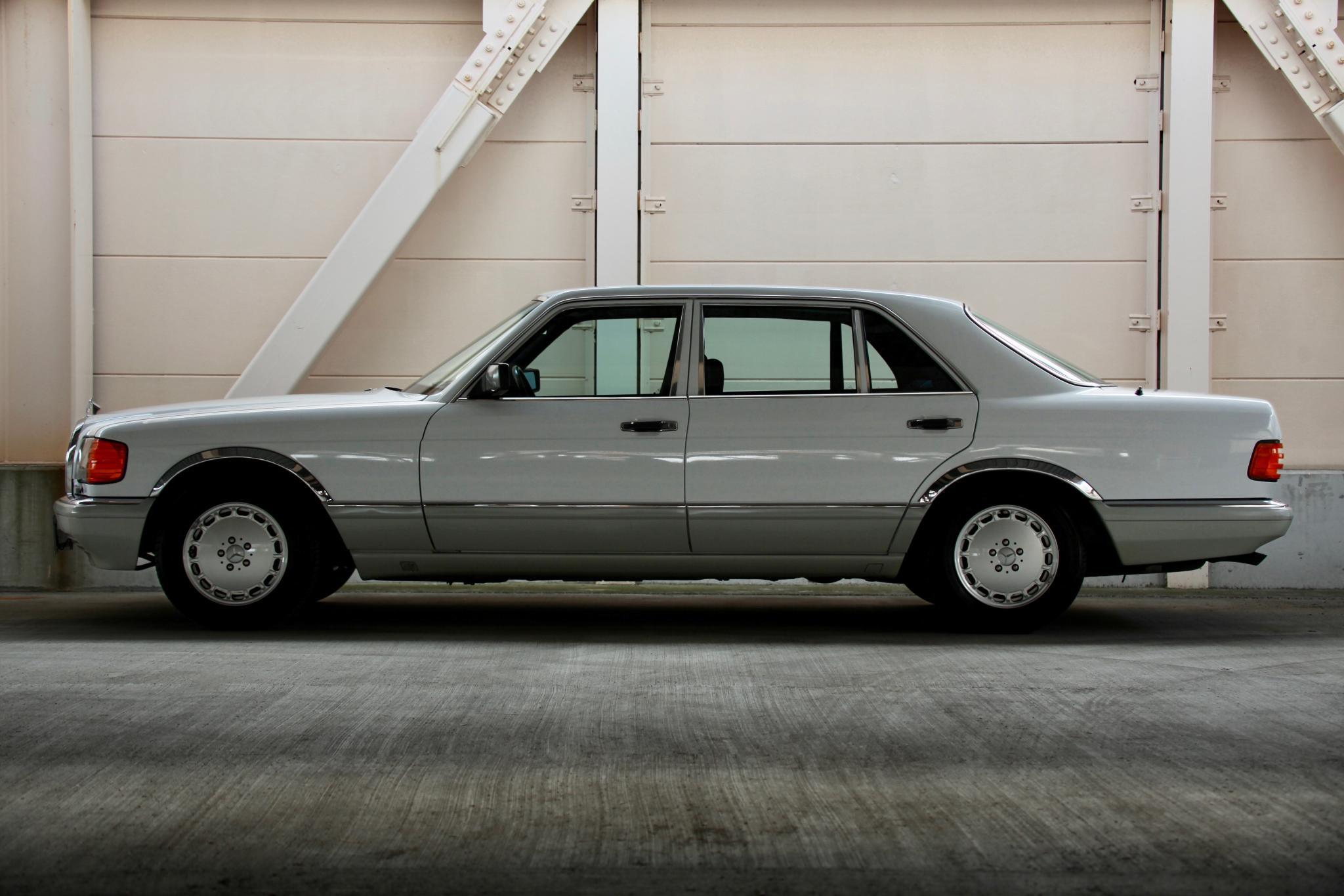 ヴィンテージカー販売 メルセデス・ベンツ560SEL