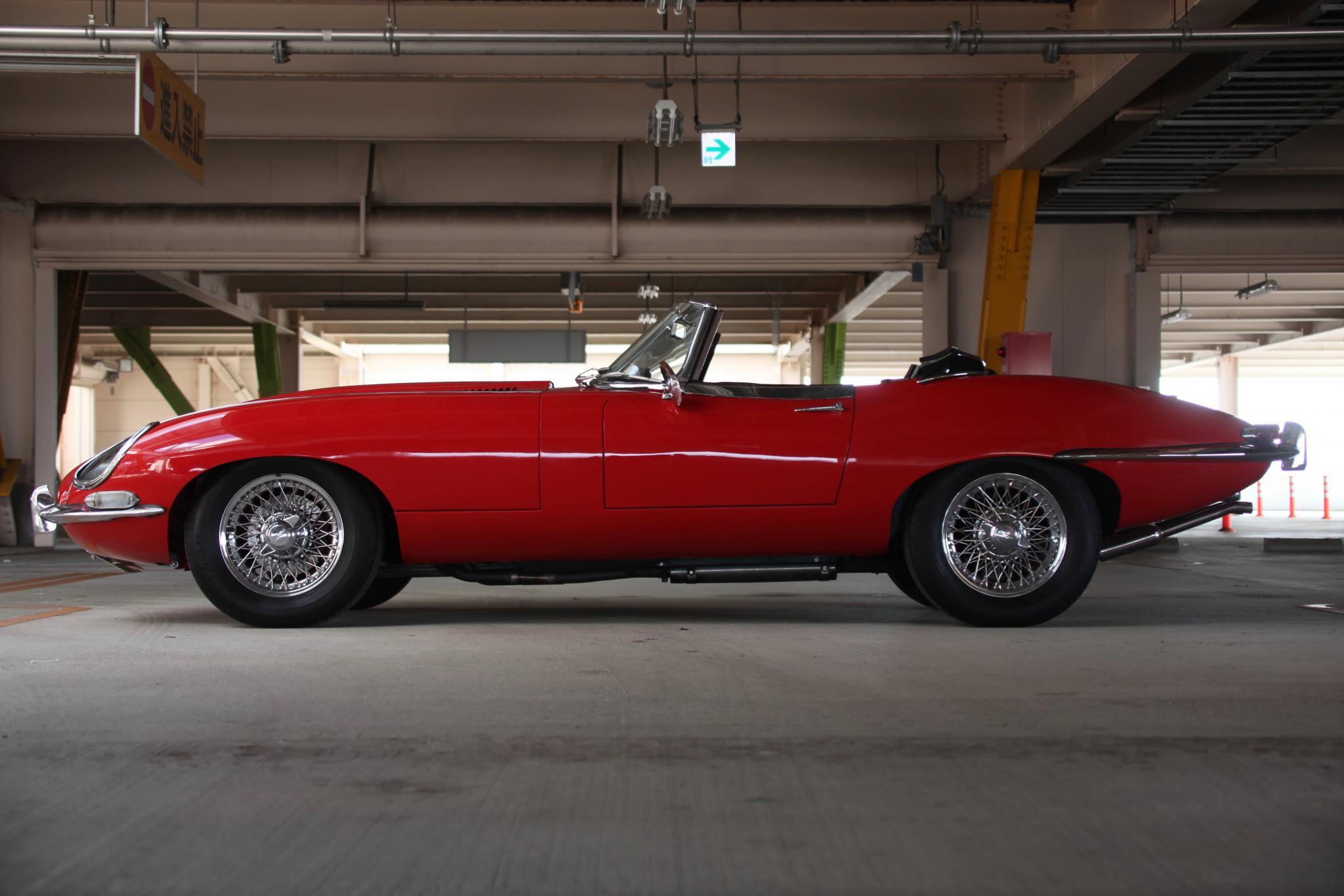 ヴィンテージカー販売 ジャガーEタイプシリーズ1 4.2ロードスター