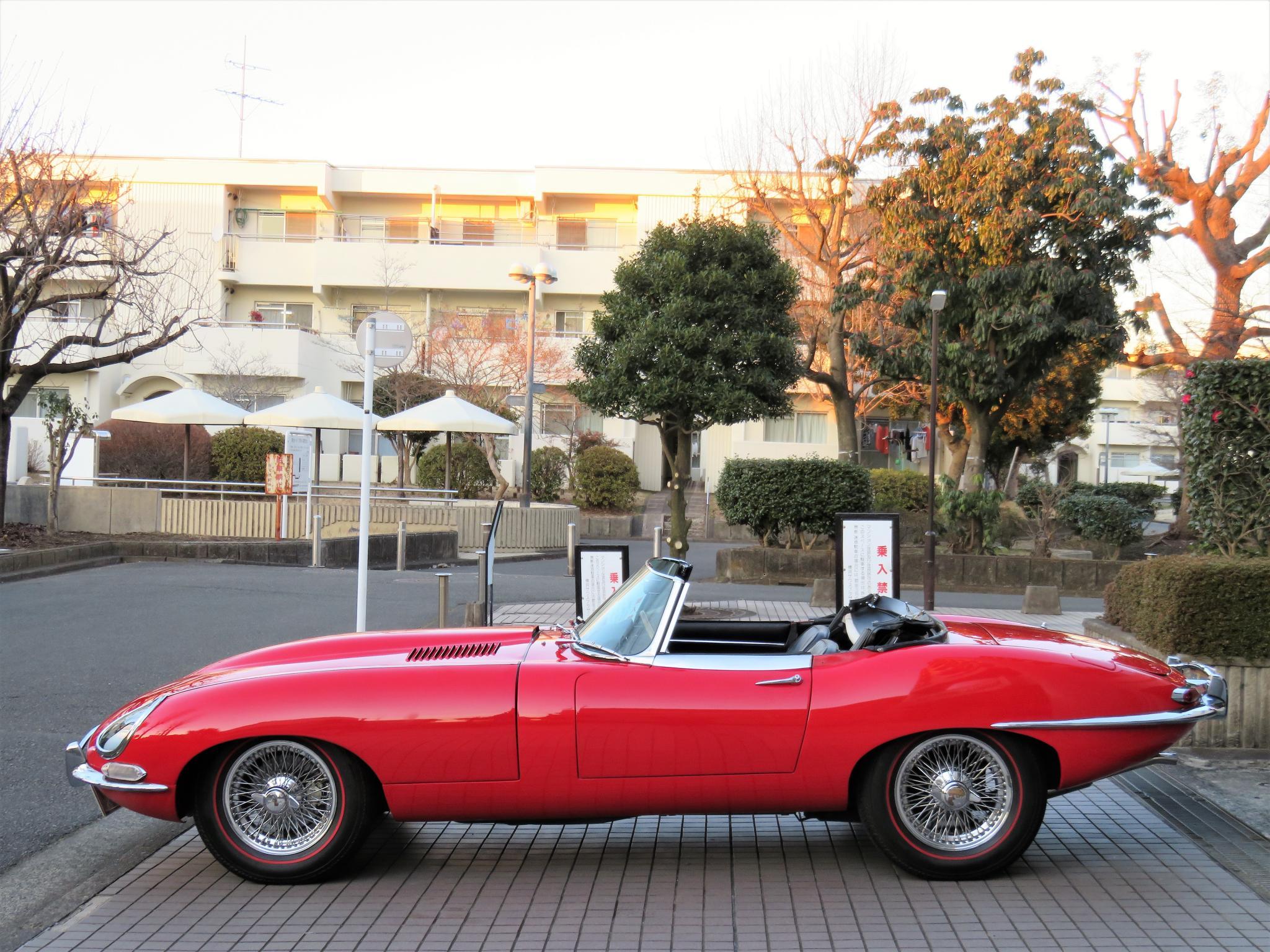 ヴィンテージカー販売 ジャガーEタイプSri1
